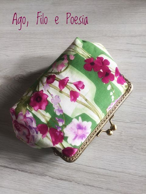This is a really sweet pouch!
