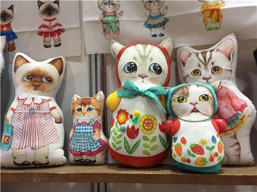 Kawaii cat toys